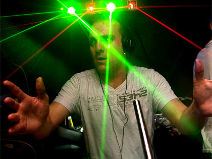 Lil' Bri - Bournemouth hard house and old skool DJ in the lasers