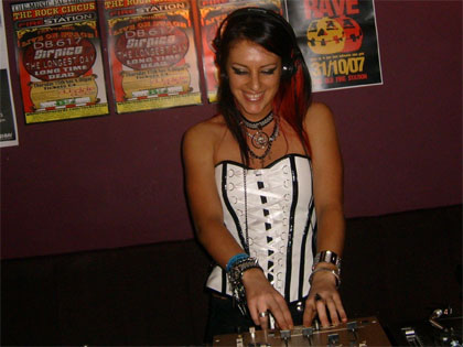 Frenzy super gueststar Frisky takes to the decks